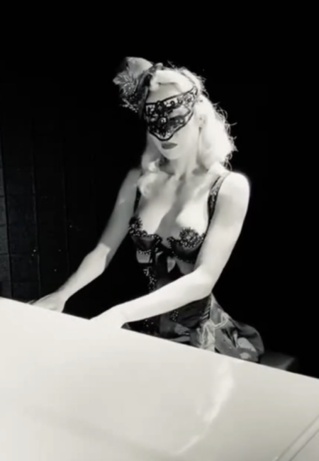 pianist-burlesque