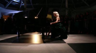 chrys-columbine-burlesque-pianist-harpersbazaar-h15-boutique-hotel-warsaw_1-2