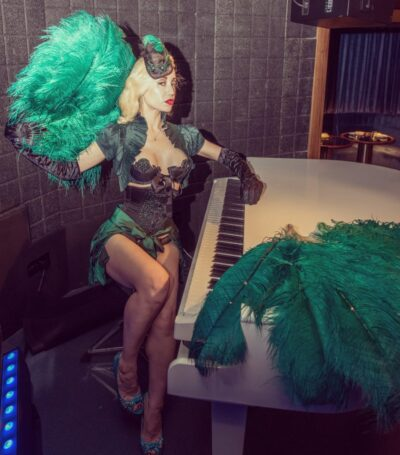 chrys-columbine-burlesque-star-london-thecourt-mayfair