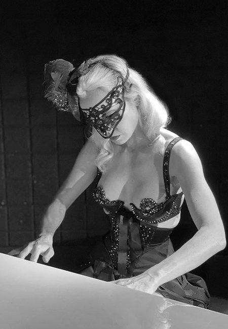 pianist-mask